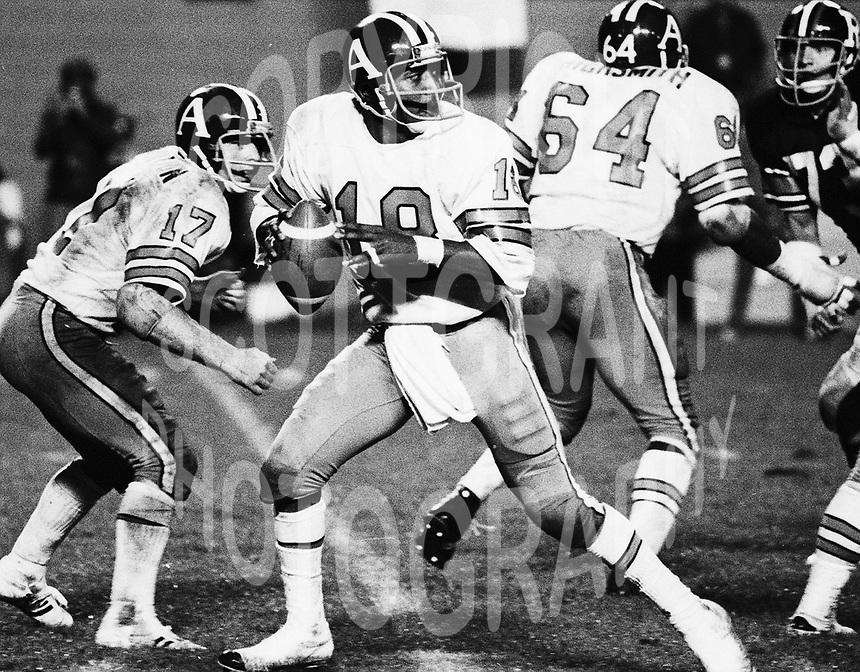 Chuck Ealey Toronto Argonaults quarterback 1976